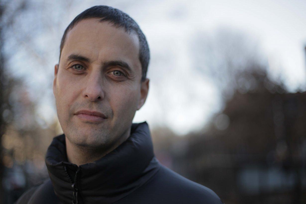 Headshot of film maker Ben Snyder.